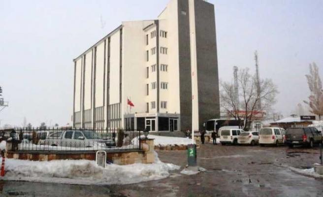 Ağrı Belediye Binası Yıkılma Anları