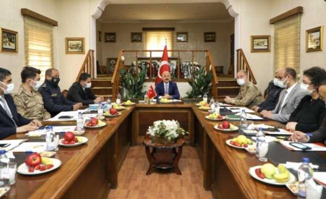 Vali Varol'un Başkanlığında, Doğubayazıt'ta Covid-19 Değerlendirme Toplantısı Düzenlendi