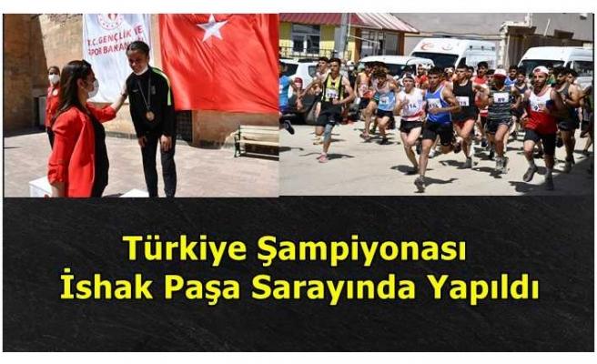 Türkiye  Şampiyonası İshak Paşa Sarayında Yapıldı