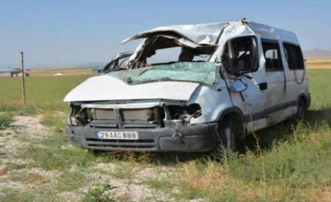 Ağrı'da İşçi Servisi Kaza Yaptı 3 Ölü