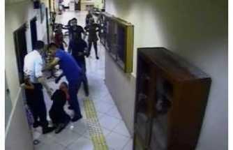 Ağrı da Bir Kadın Kızını Almak istedi Müdürden Dayak Yedi