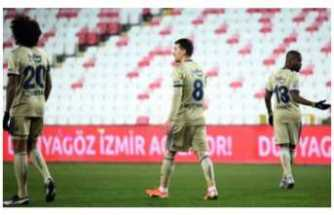 Fenerbahçe Sivas'ta Dondu